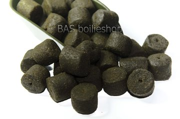 Black Halibut Pellets (met gat)
